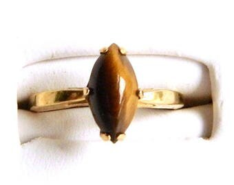 Vintage 18K Gold Plated Genuine Tiger's Eye Solitaire Ring  - Marquis Cabochon Cut - Prong Set - Size 9 - Signed VARGAS