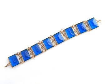 """Vintage Art Deco Gold Filled Wire and Blue Faceted Acrylic Panel Bracelet - Emerald Cut Swiss Blue - Lucite - 3/4"""" Wide x 7 1/2"""" Long"""