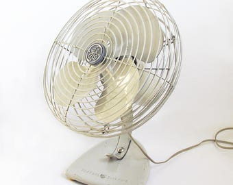 Mid Century General Electric Tabletop Fan, 1960s GE Electric Oscillating Fan