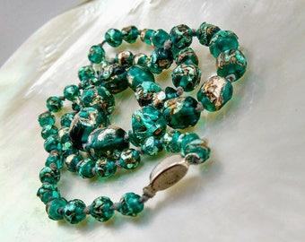 Vintage Czech Green Art glass Necklace -261 V