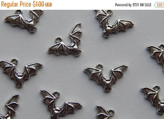CLOSING SALE 10 Pieces of Metal Jewelry Charms - 24mm Bat, Animal, Halloween, Air, Drop, Single Sided, Antique Silver Color, Plated Base Met