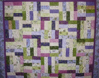 Thyme for Friends Throw Quilt in Lavender and Purples