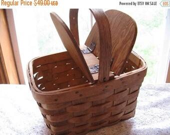 Vintage Petite Wood Picnic Basket Nordic Fench decor Cottage Chic
