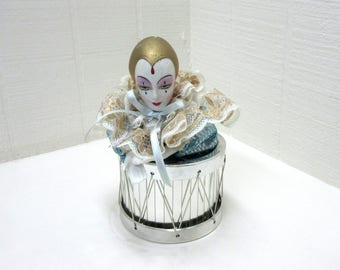 Vintage Harlequin Lady Moving Music Box
