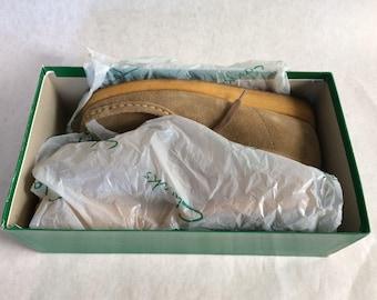 Clarks wallabee vintage tan.  W 8.5