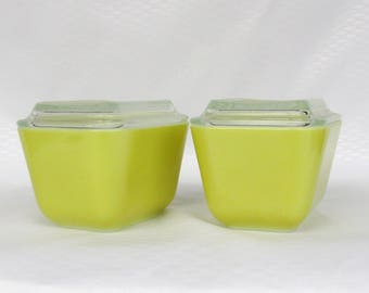 Vintage Pyrex 2 Small Refrigerator Dishes Box from the Green Verde #501
