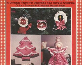 """Vintage Plaid Enterprises """"Make It a Gingham Christmas"""" Craft Leaflet"""