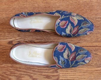 vintage 1980s J. Alonghi woven leaves smoking slippers   80s 90s brocade printed slip on loafers   8.5
