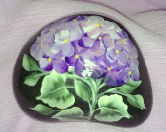 Hand painted hydrangea in purple and lavendar on beach pebble. Free shipping,