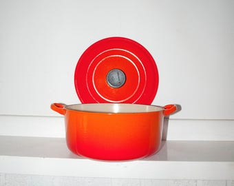Vintage LE CREUSET E - cast iron and enamel Red Flame round dutch oven pot and lid
