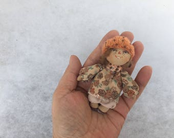 Primitive doll brooch,textile doll brooch,cloth doll brooch,miniature doll brooch