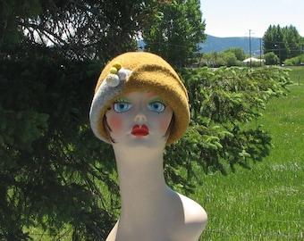 "Retro Knit Felt ""Stewy"" Hat Cloche Wheat Gold Grey Felted Ball Pin"