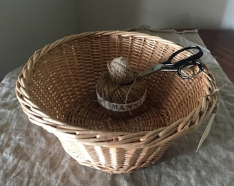 Fabulous Vintage wicker basket / My French Home / My Vintage Home
