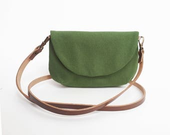 Green crossbody purse, Green purse, Crossbody bags, Green travel bag, Gifts for her, Crossbody purse, Bags and purses, Womens bag everyday