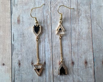 Gorgeous arrow dangle earrings