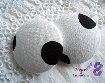 White fabric button with black dots, 40 mm / 1.57 in diameter