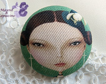 Girl drawing cloth button - 32 mm / 1.25 in diameter