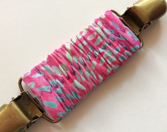 Pink Batik Cinch Clip ~ Summer Batik