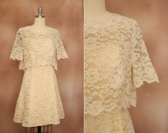 vintage 1960's cream lace tiered mini wedding party dress / size xs -s