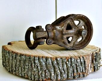 Metal Pulley | Vintage Pulley | Rusty Metal Decor| Pulley | Farmhouse Decor