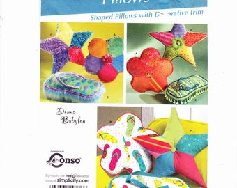 Simplicity 4148 Decorater Pillows With Trim Retro Flower, Star and Flip Flop Pillows- Groovy! UNCUT
