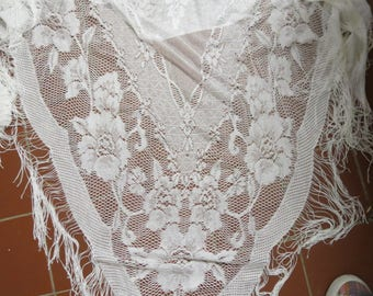Vintage Lace Shawl Made in Japan #042