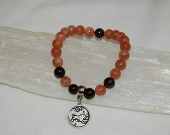 Leo Zodiac Sign Gemstone Charm Bracelet Sunstone Garnet Bracelet Stackable Zodiac Jewelry Calming Meditation Bracelet for Her