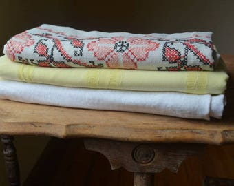 Collection Of Vintage Tablecloths, Embroidered Tablecloths