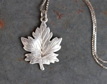 Maple Leaf Necklace - Sterling Silver Pendat and Chain - Vintage Quirky Jewelry