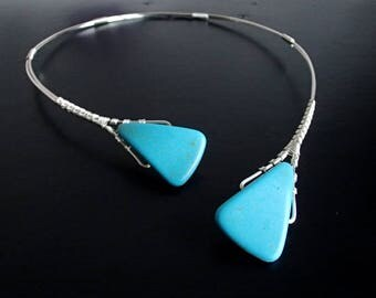 Triangle Turquoise Necklace, Wire Necklace, Silver Necklace, Statement Necklace, Unique Necklace, Open necklace, Asymmetric necklace