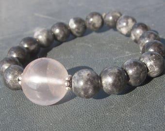 black Jadeite Rose Quartz Bracelet: what matters
