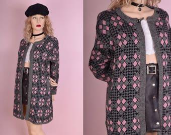 70s Pink Grey and Black Diamond Pattern Houndstooth Sweater/ Medium/ 1970s