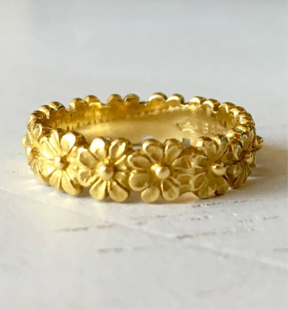 Fine Carved Vintage 18k Yellow Gold Daisy Flower Wedding Band - Size 4.5