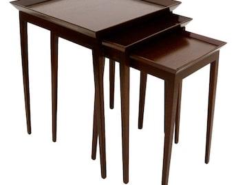 Mid Century Modern Widdicomb Set of Nesting Mahogany Tables Robsjohn Gibbings
