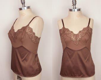 1950s Vanity Fair camisole // lace trim