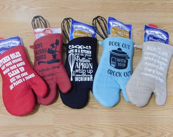 Personalized and Funny Saying on Oven Mitt Giftsets