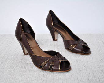 Vintage Dark Brown and Gold Leather Peep Toe Heel Pumps Stilettos