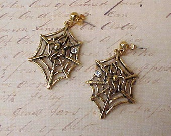 Cute Pair of Dangling Spider Web Earrings for Pierced Ears