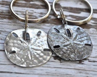 Set of two silver sand dollar keychains, sand dollar key chain, beachcombers keychain, sea lovers keychain, silver sand dollar keychain