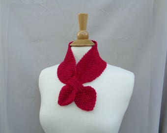 Cashmere Ascot Scarf, Pull Through Keyhole, Red Pink, Small Neck Scarf, Hand Knit Neck Warmer