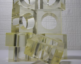 Set of 8 Clear Lucite/Acrylic Napkin Rings. To complete a Mid Century Christmas Table Setting. Retro, Chunky and Modern. Mid Century Decor.