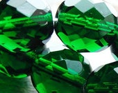8 mm Czech glass beads - faceted in emerald green