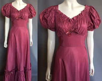 1930s evening gown with balloon sleeves