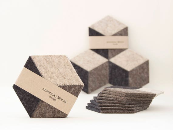 Set of dark grey felt coasters / wool felt coasters / grey coasters / geometric coasters / handmade / gift idea / made in Italy