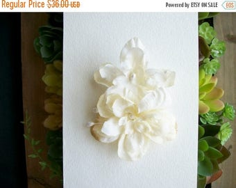 SUMMER SALE White Flower Hair Clip Off White Natural Flower Hair Clip Antique Rustic Wedding Accessories Bridal Party Wedding Vintage Inspir