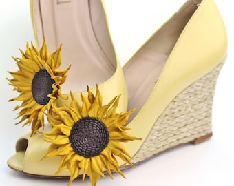 Leather sunflower shoe clips, flower shoe brooches, bridal shoe brooches, leather anniversary gift, leather shoe clips, sunflower wedding