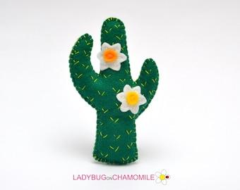 Felt CACTUS, stuffed felt Cactus magnet or ornament, Cactus toy, Desert, Nursery decor,Cactus plant, Cactus magnet, Cactus,cute toy