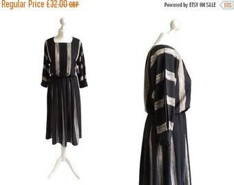 On Sale Batwing Dress - 80's Dress - 1980's Vintage Dress - Black Stripe Dress - Pleated Sleeves - Monochrome - Paint Strokes Dress
