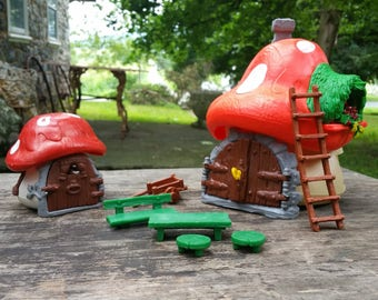 Smurfs Village. mushroom cottage houses and Garden Playset accessories 1970s 80s Peyo Schleich