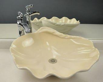Bear Claw bathroom sink